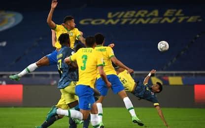 Diaz da pazzi, che gol in rovesciata al Brasile!