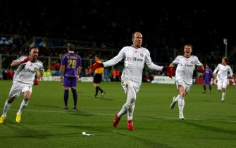Bayern Munich's Arjen Robben celebrates scoring their second goal of the game