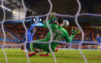 LONDON, ENGLAND - APRIL 08:  Demba Ba of Chelsea scores their second goal past Salvatore Sirigu of PSG during the UEFA Champions League Quarter Final second leg match between Chelsea and Paris Saint-Germain FC at Stamford Bridge on April 8, 2014 in London, England.  (Photo by Mike Hewitt/Getty Images)