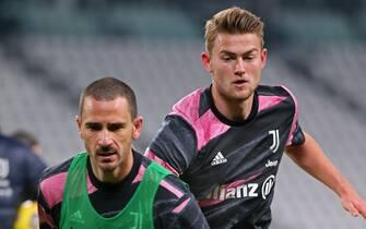 4 Matthijs De Ligt (JUVENTUS FC) and 19 Leonardo Bonucci (JUVENTUS FC) during warm-up