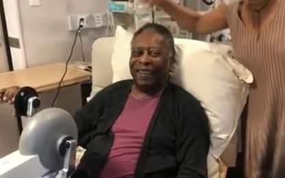 Pelé migliora, fisioterapia e risate con la figlia