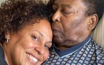 """La figlia di Pelé: """"Papà sta lasciando l'ospedale"""""""