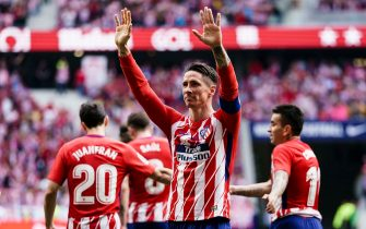 MADRID, SPAIN - MAY 20: Fernando Torres of Atletico de Madrid celebrates with teammates after scoring during the La Liga match between Atletico Madrid and Eibar at Wanda Metropolitano Stadium on May 20, 2018 in Madrid. (Photo by Power Sport Images/Getty Images)
