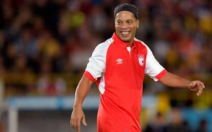 Ronaldinho contro Higuita, che show in Colombia