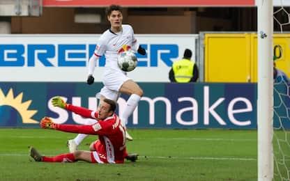 Schick, il primo gol al Lipsia è una magia. VIDEO