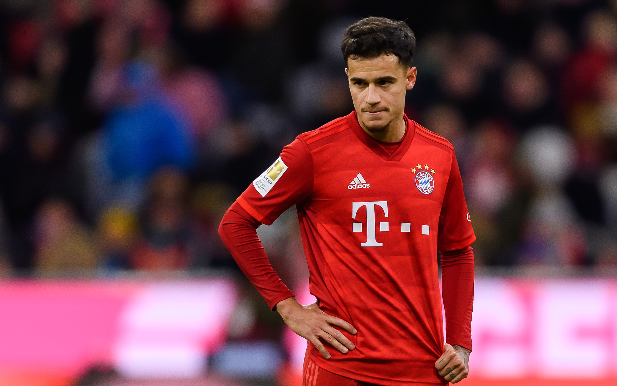 MUNICH, GERMANY - DECEMBER 14: (BILD ZEITUNG OUT) Philippe Coutinho of FC Bayern Muenchen looks on during the Bundesliga match between FC Bayern Muenchen and SV Werder Bremen at Allianz Arena on December 14, 2019 in Munich, Germany. (Photo by TF-Images/Getty Images)