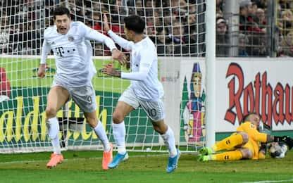 Bayern, 3-1 a Friburgo e -4 dalla vetta