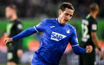 epa07864624 Hoffenheim's Sebastian Rudy celebrates after scores opening goal during the German Bundesliga soccer match between between VfL Wolfsburg and TSG 1899 Hoffenheim in Wolfsburg, Germany, 23 September 2019.  EPA/FILIP SINGER (DFL regulations prohibit any use of photographs as image sequences and/or quasi-video)