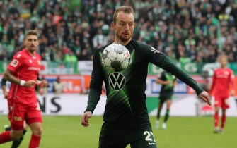 epa07901207 Wolfsburg's Maximilian Arnold in action during the German Bundesliga soccer match between VfL Wolfsburg and FC Union Berlin in Wolfsburg, Germany, 06 October 2019.  EPA/FOCKE STRANGMANN CONDITIONS - ATTENTION: The DFL regulations prohibit any use of photographs as image sequences and/or quasi-video.
