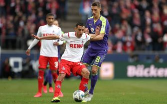 epa08188085 Cologne's Ellyes Skhiri (L) in action with Freiburg's Nils Petersen (R) during the German Bundesliga soccer match between 1.FC Koeln and SC Freiburg in Cologne, Germany, 02. February 2020.  EPA/FRIEDEMANN VOGEL CONDITIONS - ATTENTION: The DFL regulations prohibit any use of photographs as image sequences and/or quasi-video.