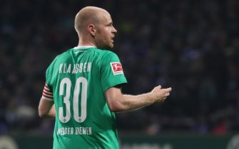 epa08019743 Bremenâs Davy Klaassen during the German Bundesliga soccer match between SV Werder Bremen and FC Schalke 04 in Bremen, Germany, 23 November 2019.  EPA/FOCKE STRANGMANN CONDITIONS - ATTENTION: The DFL regulations prohibit any use of photographs as image sequences and/or quasi-video.