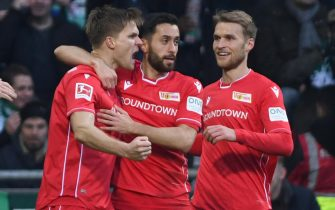 epa08203155 Union's Marius Buelter, Yunus Malli and Sebastian Andersson (L-R) react during the German Bundesliga soccer match between SV Werder Bremen and FC Union Berlin in Bremen, Germany, 08 February 2020.  EPA/DAVID HECKER (DFL regulations prohibit any use of photographs as image sequences and/or quasi-video)