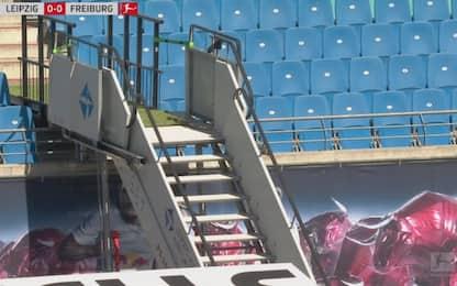 Panchina Lipsia è in tribuna: serve scala d'aereo