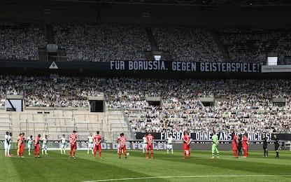 Bundesliga: tifosi di cartone sugli spalti. FOTO
