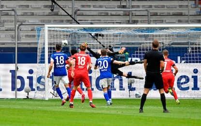 Schalke, è crisi vera: battuto 3-0 dall'Augsburg