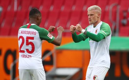 Max risponde a Modeste, Augsburg-Colonia è 1-1