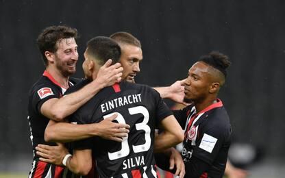 Silva lancia l'Eintracht, colpo Mainz a Dortmund