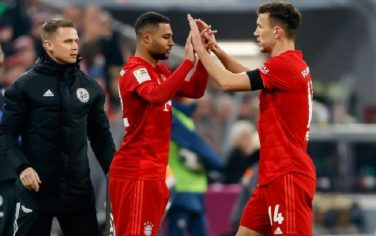 MUNICH, GERMANY - JANUARY 25: (BILD ZEITUNG OUT) Serge Gnabry of FC Bayern Muenchen and Ivan Perisic of FC Bayern Muenchen substitution during the Bundesliga match between FC Bayern Muenchen and FC Schalke 04 at Allianz Arena on January 25, 2020 in Munich, Germany. (Photo by TF-Images/Getty Images)
