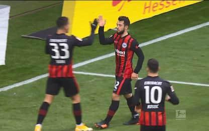 L'Eintracht vince in rimonta, Leverkusen ko 2-1