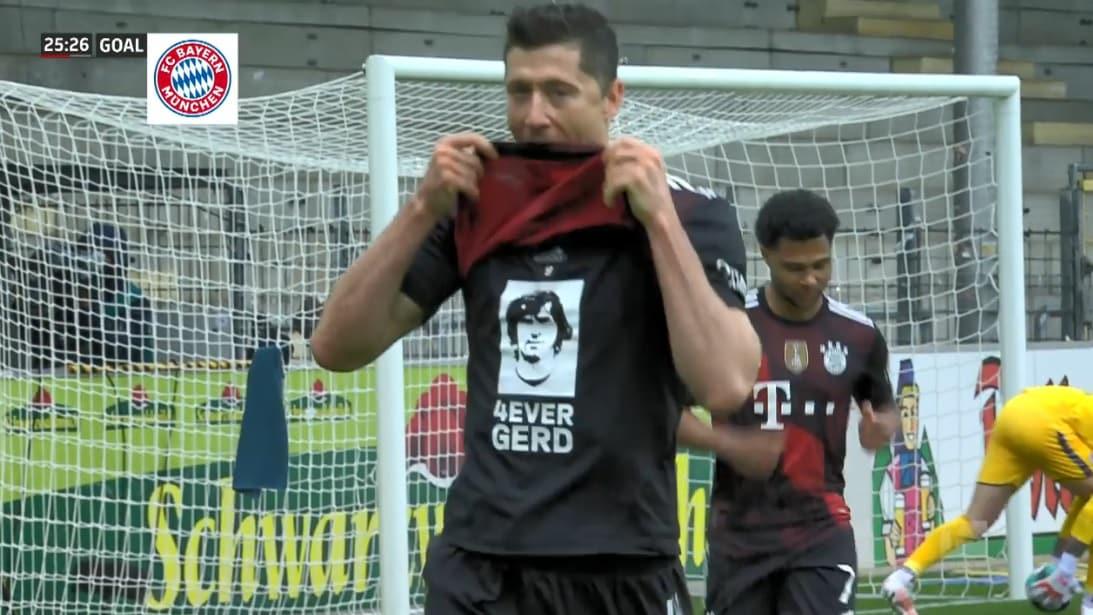 Lewandowski come Gerd Mueller: 40 gol in Bundesliga. La dedica dopo il gol.  VIDEO | Sky Sport