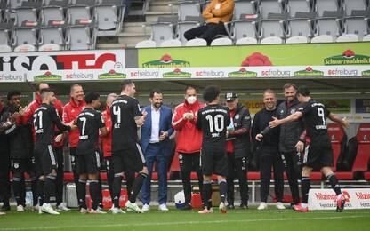 Lewan-gol fa 40 e omaggia Gerd Müller