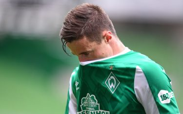 22 May 2021, Bremen: Football: Bundesliga, Werder Bremen - Borussia Mönchengladbach, Matchday 34 at Wohninvest Weserstadion. Werder's Marco Friedl goes into half-time. Photo: Carmen Jaspersen/dpa - IMPORTANT NOTE: In accordance with the regulations of the DFL Deutsche Fußball Liga and/or the DFB Deutscher Fußball-Bund, it is prohibited to use or have used photographs taken in the stadium and/or of the match in the form of sequence pictures and/or video-like photo series.