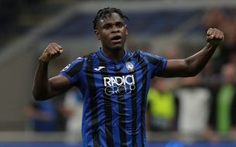 MILAN, ITALY - OCTOBER 01:  Duvan Zapata of Atalanta BC celebrates after scoring the opening goal during the UEFA Champions League group C match between Atalanta and Shakhtar Donetsk at Stadio Giuseppe Meazza on October 1, 2019 in Milan, Italy.  (Photo by Emilio Andreoli/Getty Images)