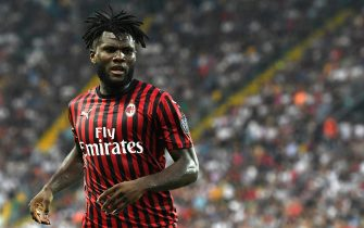 UDINE, ITALY - AUGUST 25: Frank Kessie of AC MIlan looks on during the Serie A match between Udinese Calcio and AC Milan at Stadio Friuli on August 25, 2019 in Udine, Italy. (Photo by Alessandro Sabattini/Getty Images)