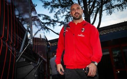 Pepe Reina saluta il Milan: va all'Aston Villa