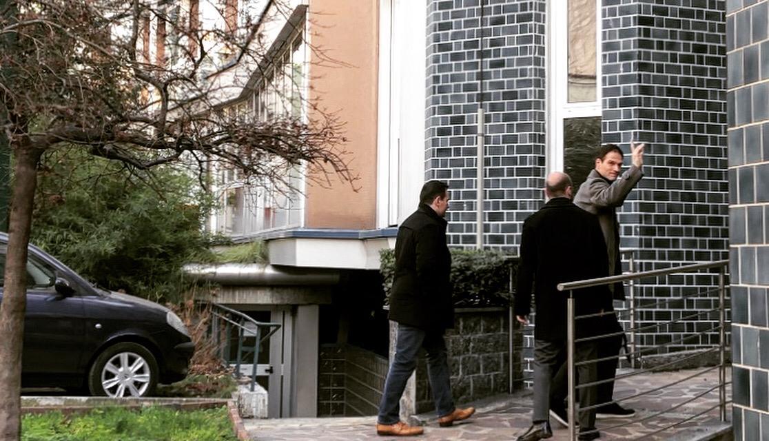 Begovic alle visite mediche con il Milan