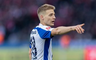BERLIN, GERMANY - JANUARY 19: Santiago Ascacibar of Hertha BSC gestures during the Bundesliga match between Hertha BSC and FC Bayern Muenchen at Olympiastadion on January 19, 2020 in Berlin, Germany. (Photo by Boris Streubel/Getty Images)