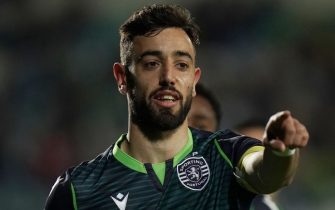SETUBAL, PORTUGAL - JANUARY 11: Bruno Fernandes of Sporting CP celebrates after scoring a goal during the Liga NOS match between Vitoria FC and Sporting CP at Estadio do Bonfim on January 11, 2020 in Setubal, Portugal.  (Photo by Gualter Fatia/Getty Images)