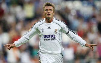 Real Madrid's David Beckham jubilates after his goal during the Spanish league match Real Madrid/ Real sociedad at the Santiago Bernabeu Stadium in Madrid, 17 september 2006.   AFP PHOTO/PHILIPPE DESMAZES        (Photo credit should read PHILIPPE DESMAZES/AFP via Getty Images)