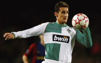 BARCELONA, SPAIN - DECEMBER 05:  Miroslav Klose of Werder Bremen during the UEFA Champions League Group A match between Barcelona and Werder Bremen at the Nou Camp on December 5, 2006 in Barcelona, Spain.  (Photo by Shaun Botterill/Getty Images)