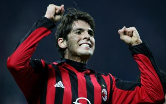 Milan, ITALY:  AC Milan's midfielder Kaka celebrates after scoring a goal against Bayern Munich during their Champions League football match AC Milan-Bayern Munich at San Siro stadium in Milan,08 March 2006.  AFP PHOTO / PACO SERINELLI  (Photo credit should read PACO SERINELLI/AFP via Getty Images)