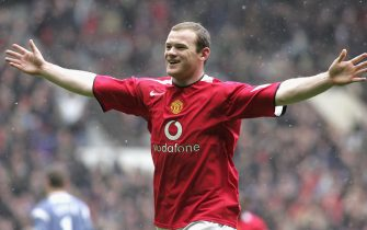 MANCHESTER, ENGLAND - MARCH 12: Wayne Rooney of Manchester United celebrates scoring the first goal during the Barclays Premiership match between Manchester United and Newcastle at Old Trafford on March 12 2006 in Manchester, England. (Photo by Tom Purslow/Manchester United via Getty Images)