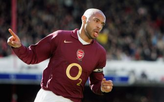 LONDON - APRIL 01: Thierry Henry of Arsenal  celebrates scoring during the Barclays Premiership match between Arsenal and Aston Villa at Highbury on April 1, 2006 in London, England.  (Photo by Julian Finney/Getty Images)