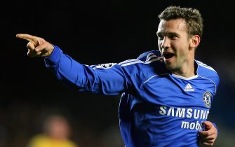 London, UNITED KINGDOM:  Chelsea's Ukrainian striker Andryi Shevchenko celebrates his team's opening goal against Levski Sofia during their Champions league group A match at Stamford Bridge stadium in west London, 05 December 2006. AFP PHOTO / ODD ANDERSEN  (Photo credit should read ODD ANDERSEN/AFP via Getty Images)