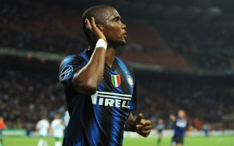 MILAN, ITALY - SEPTEMBER 29:  Samuel Eto'o of FC Internazionale Milano celebrates the opening goal during the UEFA Champions League group A match between FC Internazionale Milano and SV Werder Bremen at Stadio Giuseppe Meazza on September 29, 2010 in Milan, Italy.  (Photo by Valerio Pennicino/Getty Images)