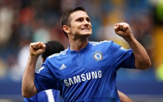 LONDON, ENGLAND - MARCH 27:  Frank Lampard of Chelsea celebrates scoring his second goal during the Barclays Premier League match between Chelsea and Aston Villa at Stamford Bridge on March 27, 2010 in London, England.  (Photo by Richard Heathcote/Getty Images)