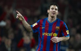 BARCELONA, SPAIN - JANUARY 16:  Lionel Messi of FC Barcelona celebrates after scoring during the La Liga match between Barcelona and Sevilla at the Camp Nou stadium on January 16, 2010 in Barcelona, Spain.  (Photo by Manuel Queimadelos Alonso/Getty Images)