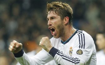 epa03475722 Real Madrid's defender Sergio Ramos jubilates his goal against Athletic Bilbao during their Primera Division soccer macth played at Santiago Bernabeu stadium in Madrid, Spain on 17 November 2012.  EPA/ZIPI