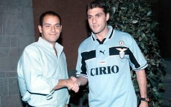© Marco Rosi/LapresseRomaSport CalcioPresentazione nuovi acquisti S.S. Lazio 1998-1999Nella foto archivio: Andrea Cragnotti e Christian Vieri