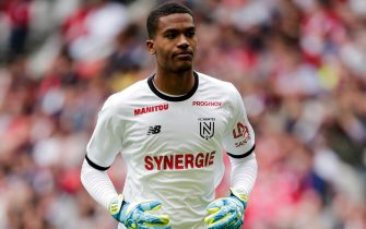 LILLE, FRANCE - AUGUST 11: Alban Lafont of FC Nantes during the French League 1  match between Lille v Nantes at the Stade Pierre Mauroy on August 11, 2019 in Lille France (Photo by Erwin Spek/Soccrates/Getty Images)