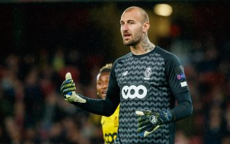 LONDON, UNITED KINGDOM - OCTOBER 03: goalkeeper Vanja Milinkovic-Savic of Standard Liege gestures during the UEFA Europa League group F match between Arsenal FC and Standard Liege at Emirates Stadium on October 3, 2019 in London, United Kingdom. (Photo by TF-Images/Getty Images)