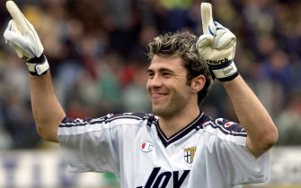 7 Apr 2002:  Sebastian Frey of Parma celebrates victory after the Serie A 30th Round League match played between Parma and Udinese at the Ennio Tardini Stadium in Parma, Italy. DIGITAL IMAGE. Mandatory Credit: Grazia Neri/Getty Images