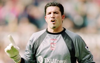 22 Sep 2001:  Ipswich Goalkeeper Matteo Sereni in action during the FA Barclaycard Premiership match between Manchester United and Ipswich Town played at Old Trafford in Manchester, England.  Man Utd won the match 4 - 0. \ Mandatory Credit: Gary M Prior /Allsport