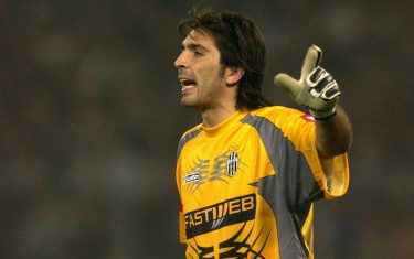 27 Oct 2001:  Portrait of Gianluigi Buffon goalkeeper of Juventus taken while in action during the Serie A 9th Round League match between Juventus and Inter Milan, played at the Delle Alpi stadium, Turin Italy. DIGITAL IMAGE.  Mandatory Credit: Grazia Neri/ALLSPORT