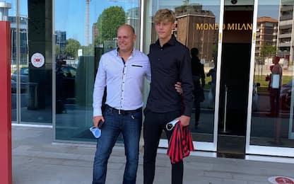 Bjorklund, visite e firma con il Milan