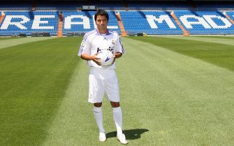 Madrid, SPAIN: Real Madrid football club's new forward Argentine Javier Saviola poses with a ball at Santiago Bernabeu stadium in Madrid, 13 July 2007. FC Barcelona forward Saviola signed a four-year contract with Real Madrid 13 July.  AFP PHOTO/ PIERRE-PHILIPPE MARCOU (Photo credit should read PIERRE-PHILIPPE MARCOU/AFP via Getty Images)
